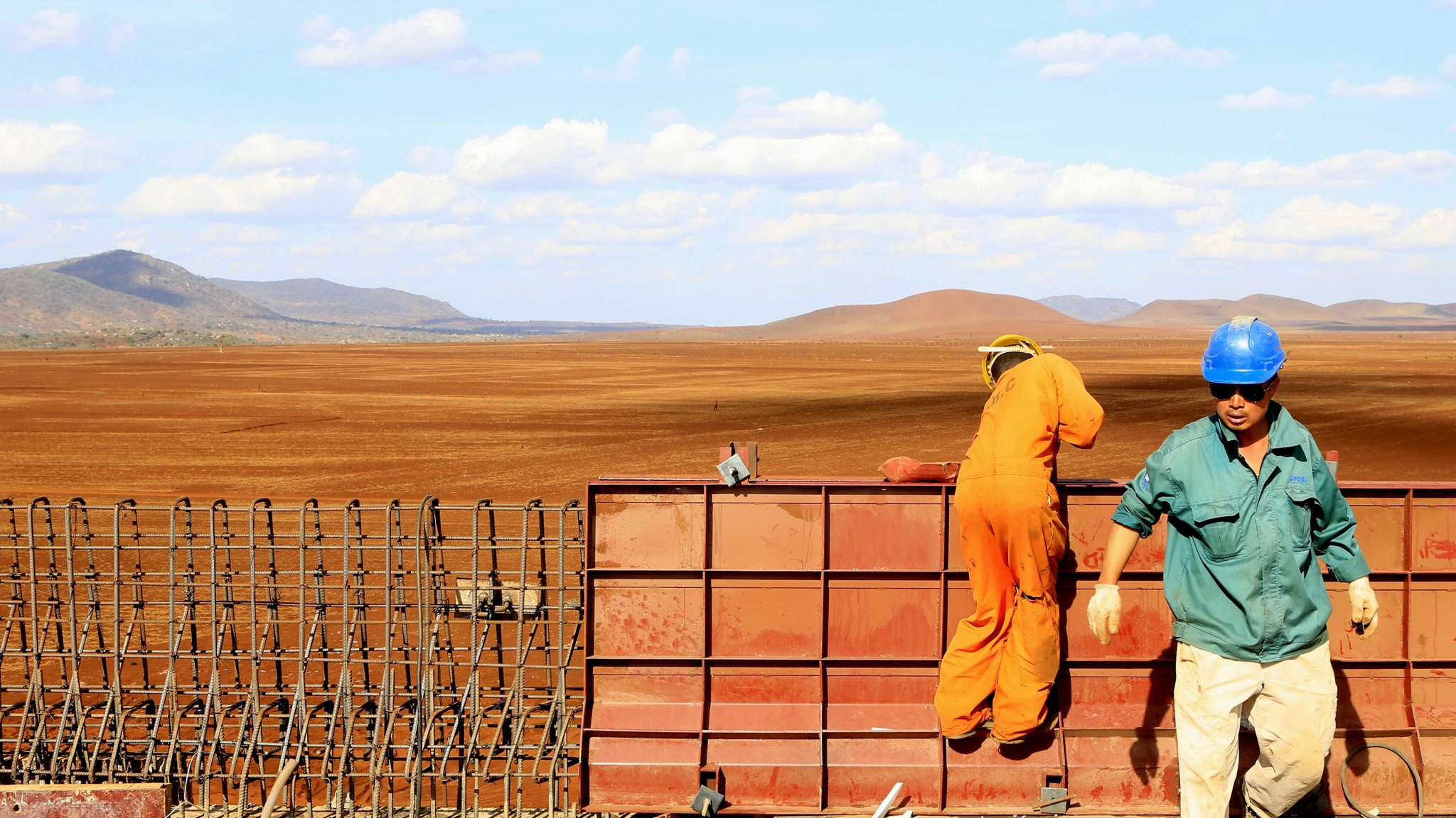 A Chinese construction engineer works at a section of the Mombasa-Nairobi standard gauge railway (SGR) at Emali in Kenya October 10, 2015. Image Courtesy: Reuters
