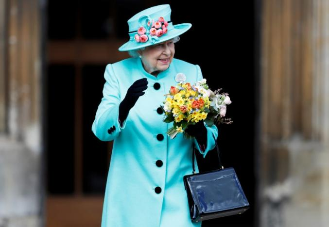 Britain's Queen Elizabeth leaves the Easter Sunday service in Windsor Castle, in Windsor, Britain, April 16, 2017. REUTERS/Peter Nicholls