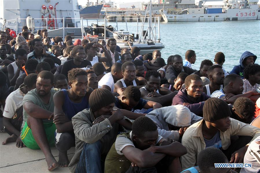Libyan navy rescues 379 illegal immigrants off western coast