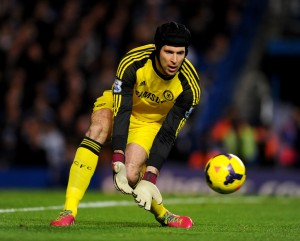 Arsenal have signed goalkeeper Petr Cech from Chelsea