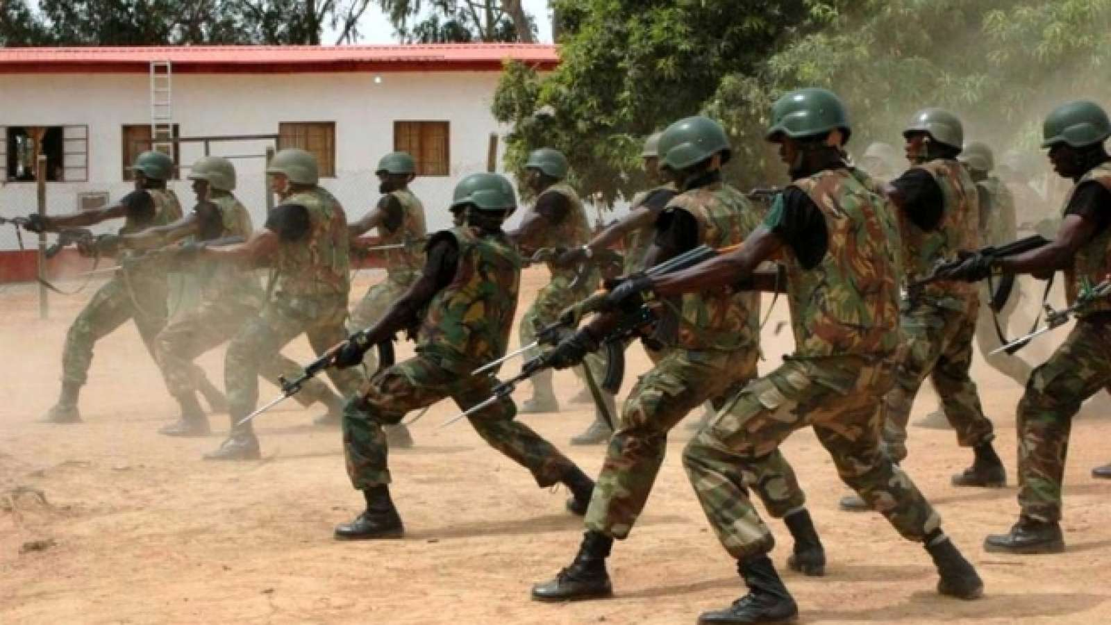 In an operation to clear out Boko Haram from Jarawa community in Kala Balge Local Government Area of Borno State, soldiers released over 1000 residents and killed 21 terrorists. Image courtesy: Newsflash