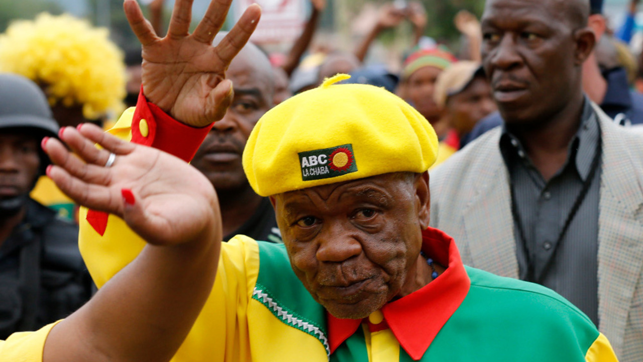 Thomas Thabane waves to his supporters during his walkabout in the capital Maseru. (Reuters)