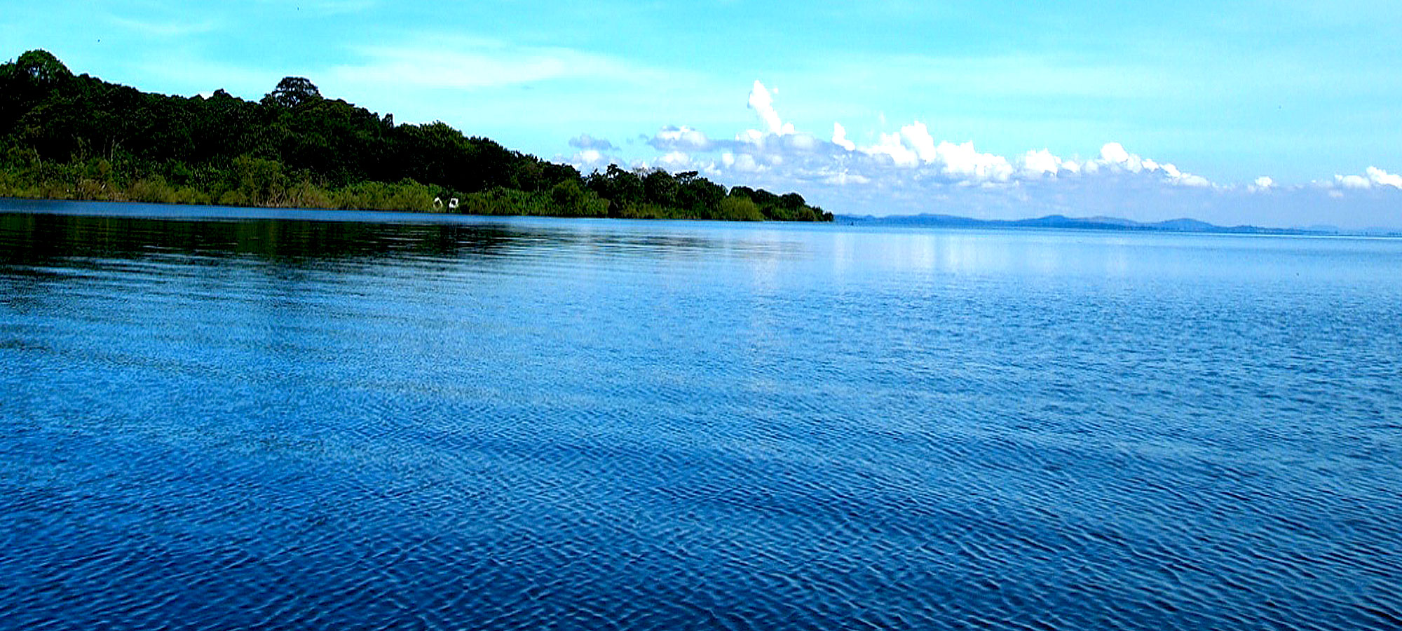 There is a sense of optimism on the shores, as authorities get together to discuss plans and ideas on how best to conserve the famed Lake. Image courtesy: Uganda Tourism