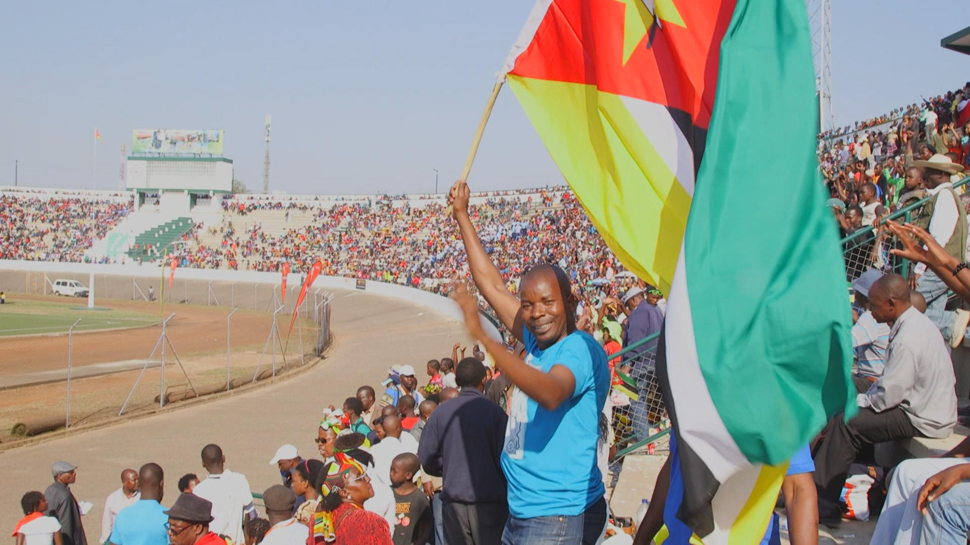 Mozambicans celebrating and enjoying 40 years of independence in an open stadium