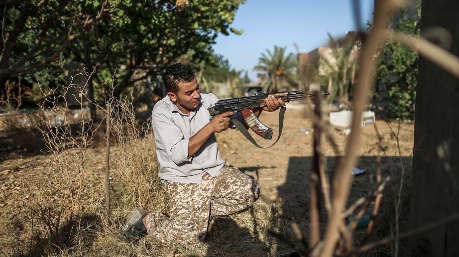 E.U. calls on Libya's warring factions to work towards peace