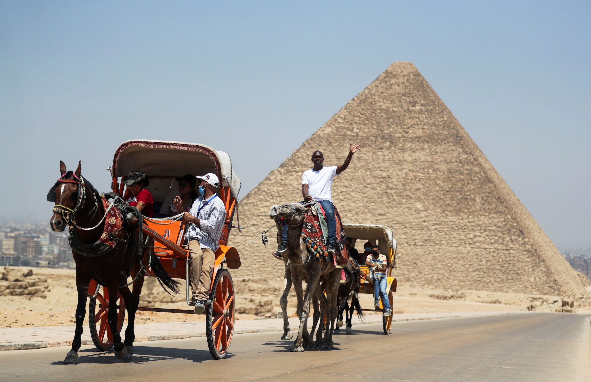 Egypt Reopens More Hotels For Tourists Amid Anti Coronavirus Measures Cgtn Africa